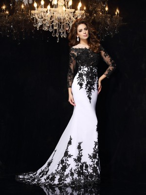 Sheath/Column Scoop Long Sleeves Chiffon Court Train Dresses