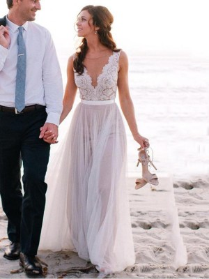 A-Line/Princess Scoop Sleeveless Long Tulle Wedding Dress