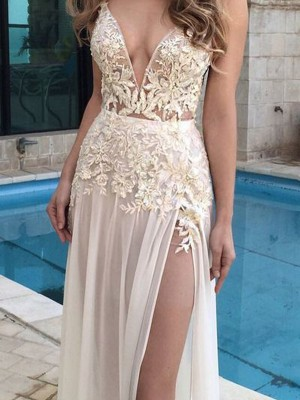 A-Line/Princess V-Neck Sleeveless Applique Long Chiffon Dress
