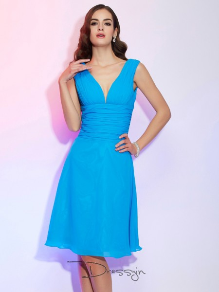 A-Line/Princess Short Sleeves V-neck Pleats Chiffon Knee-Length Dress