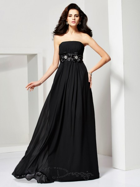 A-Line/Princess Sleeveless Strapless Hand-Made Flower Chiffon Long Dress