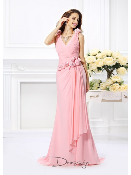 Trumpet/Mermaid V-neck Sleeveless Chiffon Hand-Made Flower Long Bridesmaid Dress
