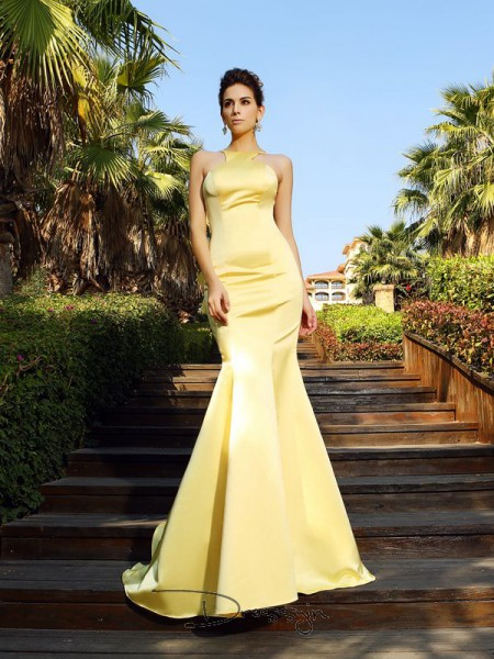 Trumpet/Mermaid Scoop Sleeveless Satin Court Train Dress
