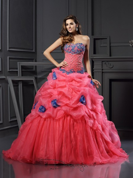 Ball Gown Sweetheart Sleeveless Organza Beading Chapel Train Dress