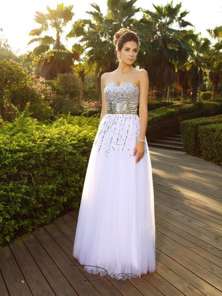 A-Line/Princess Sweetheart Sleeveless Organza Beading Long Dress