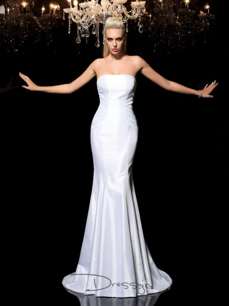 Sheath/Column Satin Sleeveless Strapless Long dresses