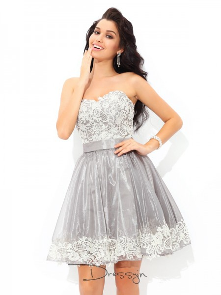 A-Line/Princess Tulle Sleeveless Sweetheart Short Dresses
