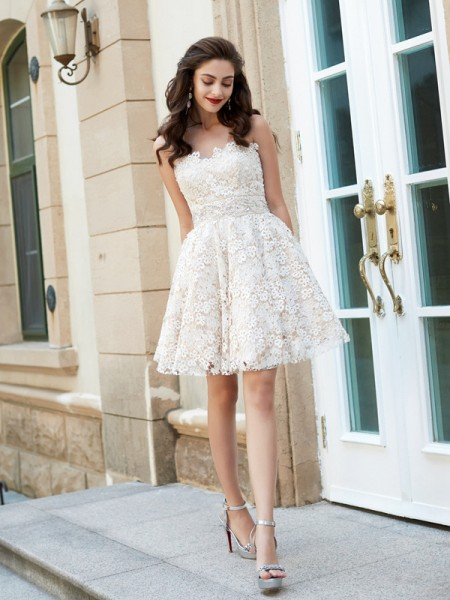 A-Line/Princess Sleeveless Sweetheart Rhinestone Lace Short dress