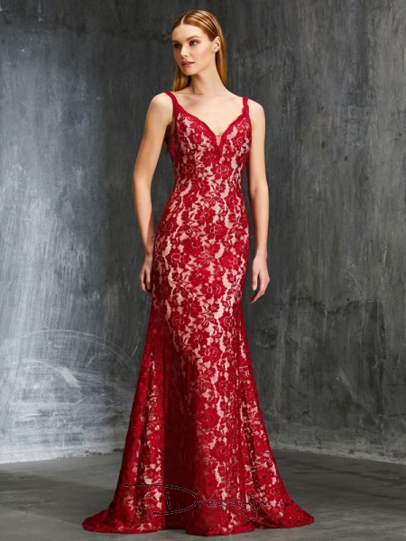 Sheath/Column Spaghetti Straps Sleeveless Applique Lace Long Dress