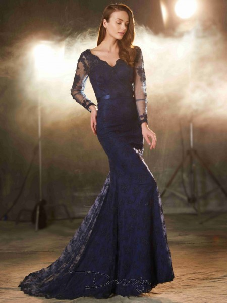 Trumpet/Mermaid V-neck Sleeveless Applique Lace Long Dress