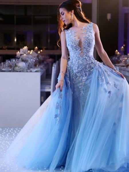 Ball Gown Sleeveless Tulle Scoop Applique Long Dresses