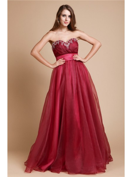 A-Line/Princess Sweetheart Sleeveless Beading Organza Long Dress