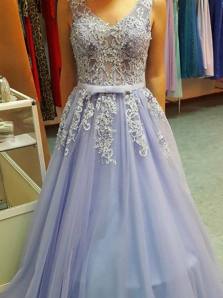 A-Line/Princess V-neck Floor-Length Applique Tulle Dress
