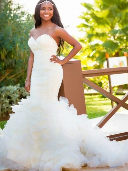 Trumpet/Mermaid Sleeveless Sweetheart Organza Court Train Wedding Dress