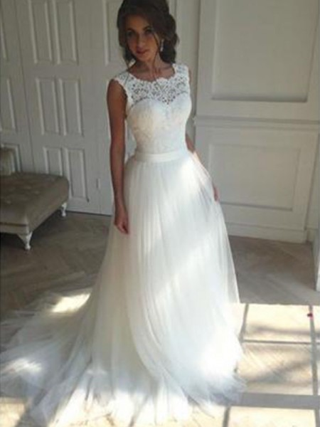 A-Line/Princess Sleeveless Beading Square Tulle Court Train Wedding Dress