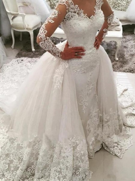 Ball Gown Long Sleeves Applique V-neck Tulle Long Wedding Dress