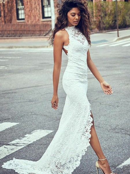 Trumpet/Mermaid Sleeveless Halter Lace Long Wedding Dress