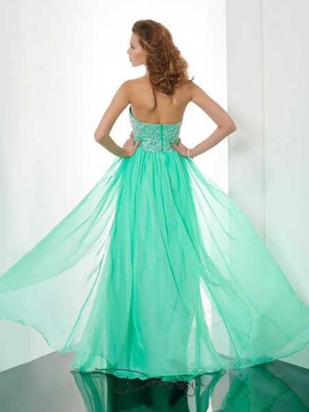 A-Line/Princess Sleeveless Halter Beading Applique Chiffon Long Dress