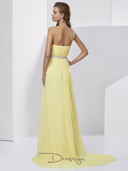 Sheath/Column Sleeveless Sweetheart Beading Chiffon Long Dress