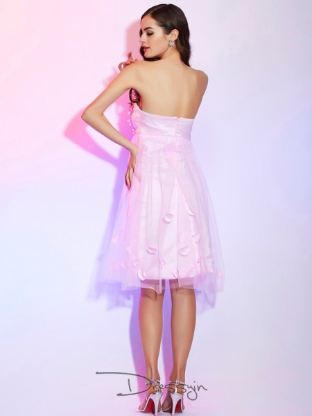 A-Line/Princess Sleeveless Strapless Hand-Made Flower Net Satin Knee-Length Dress