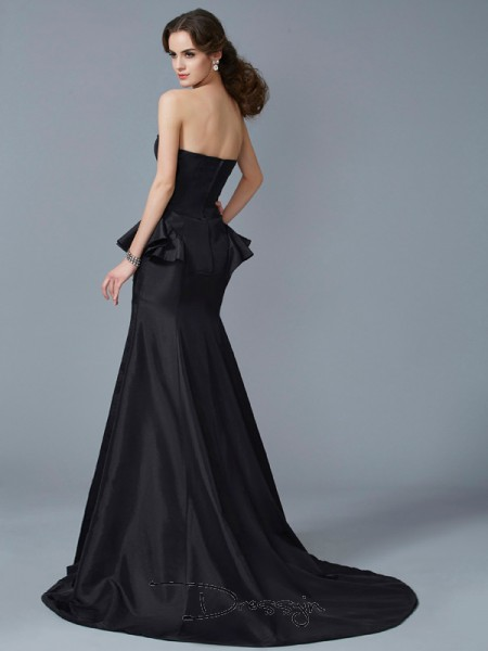 Trumpet/Mermaid Sleeveless Strapless Ruffles Taffeta Long Dress