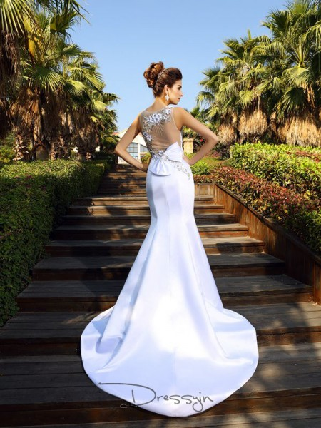 Trumpet/Mermaid Scoop Sleeveless Satin Beading Court Train Dress