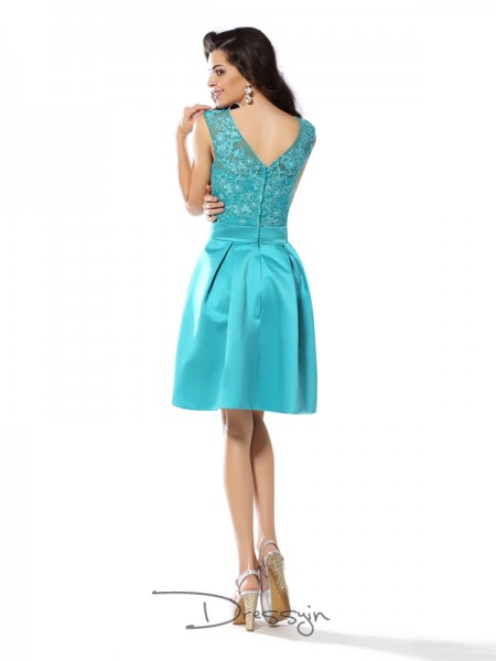 A-Line/Princess Scoop Sleeveless Satin Applique Knee-Length Dress