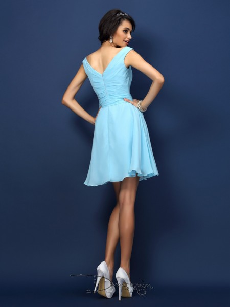 A-Line/Princess V-neck Sleeveless Chiffon Pleats Bowknot Short Bridesmaid Dress