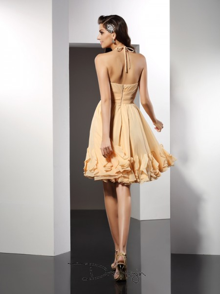 A-Line/Princess Halter Sleeveless Chiffon Ruffles Knee-Length Dress