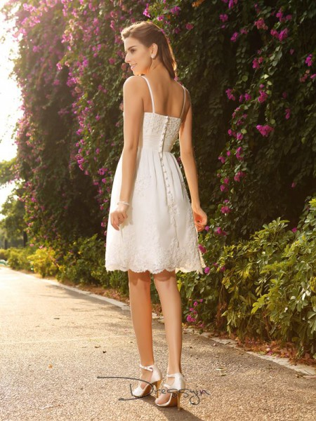 A-Line/Princess Spaghetti Straps Sleeveless Applique Lace Knee-Length Wedding Dress