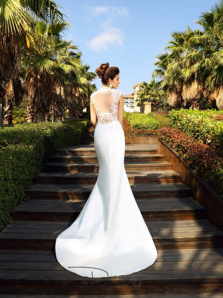 Trumpet/Mermaid High Neck Sleeveless Beading Satin Court Train Dresses