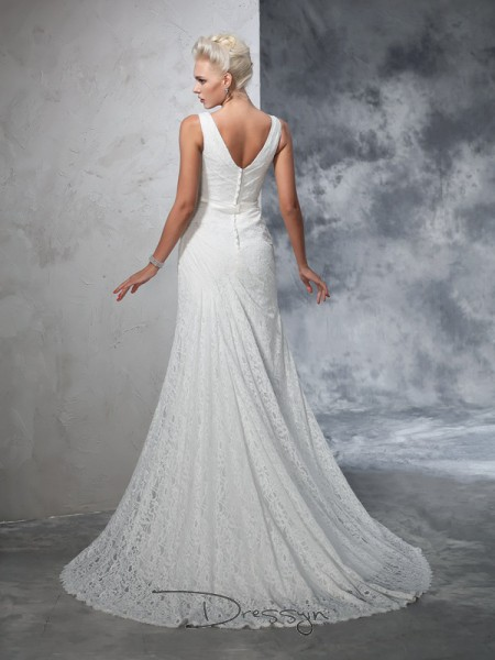 Trumpet/Mermaid Lace Sleeveless V-neck Court Train Wedding Dresses