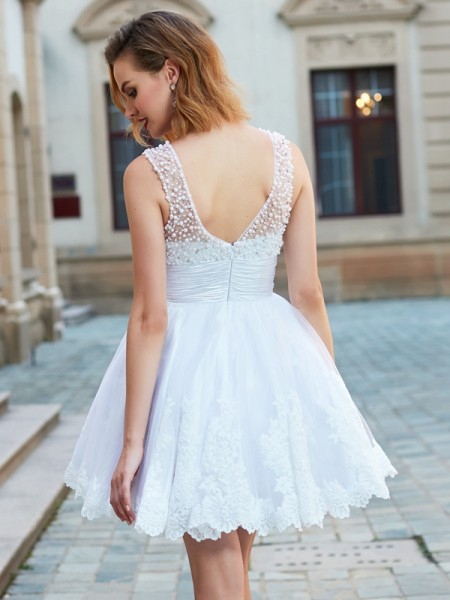 A-Line/Princess Sleeveless Jewel Pearls Lace Short dress