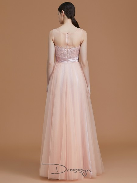 A-Line/Princess Bateau Sleeveless Applique Tulle Long Bridesmaid Dress