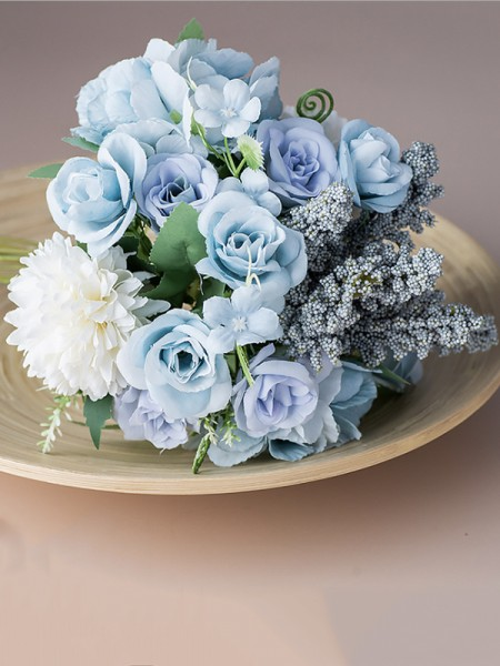 Free-Form Silk Flower Charming Bridal Bouquets