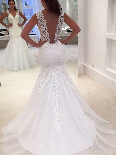 Trumpet/Mermaid Sleeveless Applique V-neck Lace Court Train Wedding Dress