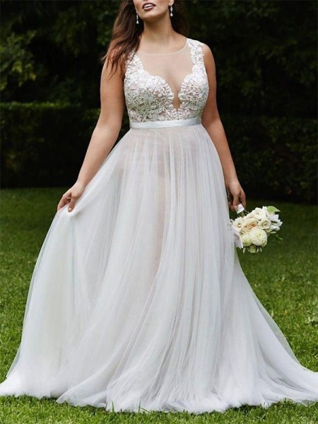 A-Line/Princess Sleeveless Scoop Tulle Court Train Wedding Dress