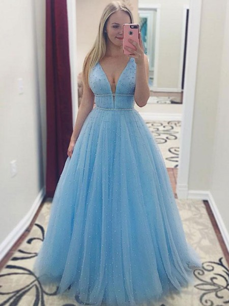 A-Line/Princess V-neck Sleeveless Pearls Tulle Long Dresses