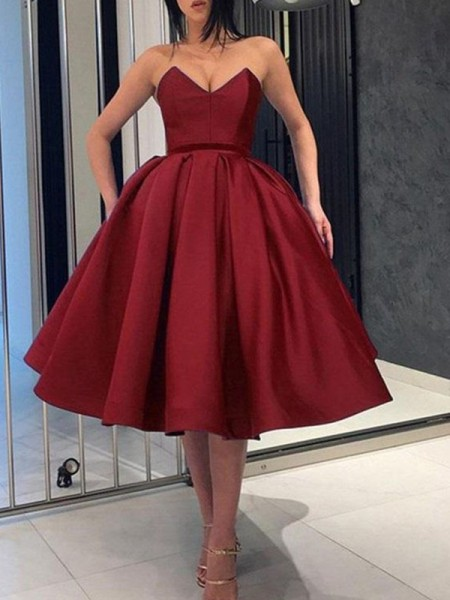 Ball Gown Sweetheart Sleeveless Ruffles Satin Knee-Length Dresses